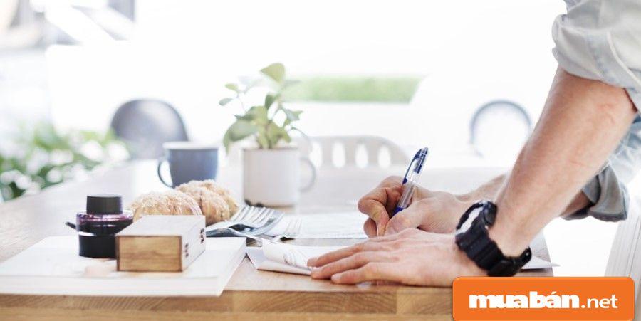 Bạn hãy đầu tư vào nội dung tuyển dụng một cách thật kỹ lưỡng, đầy đủ và ấn tượng để thu hút ứng viên.