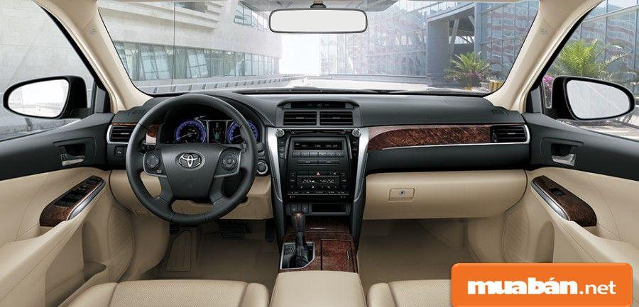 Kiểm tra xem nội thất bên trong xe oto Toyota cũ có đảm bảo và còn tốt hay không? T