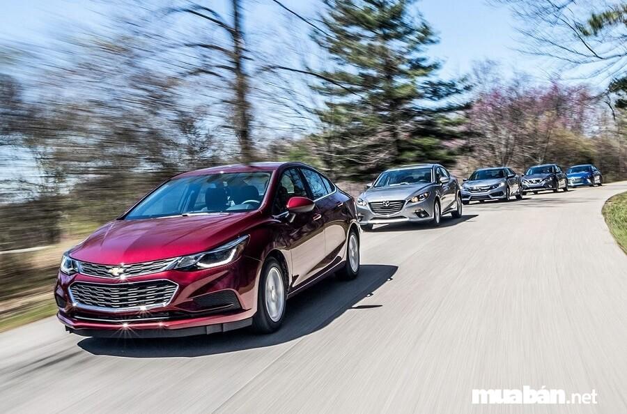Giá thuê xe tùy phụ thuộc vào những yếu tố như: Hãng xe, đời xe, số chỗ...