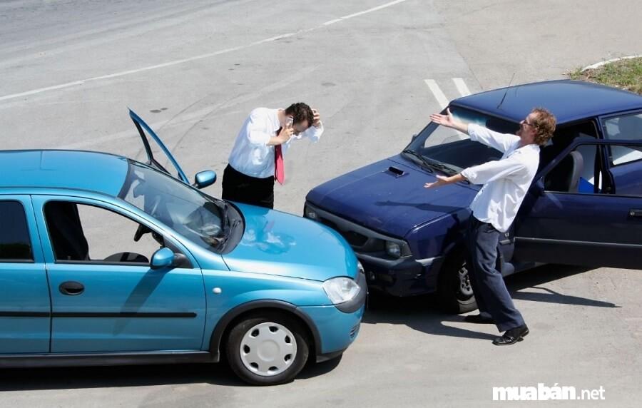 """5 Sai lầm khi thuê xe tự lái TPHCM khiến bạn """"dở khóc dở cười"""""""