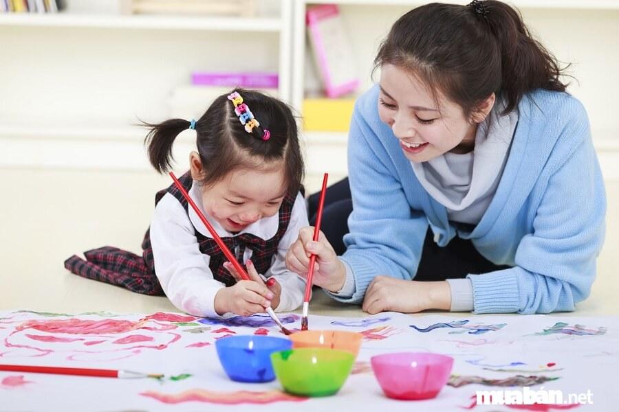 Tùy khả năng và chuyên ngành của mình mà bạn có thể dạy các môn khác nhau.