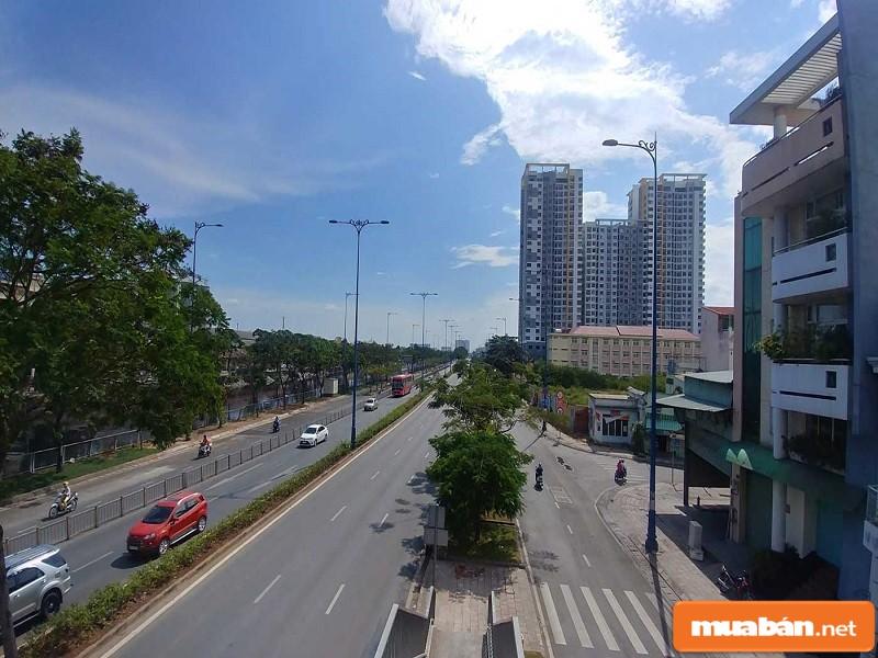 Đại lộ lớn bên cạnh dự án