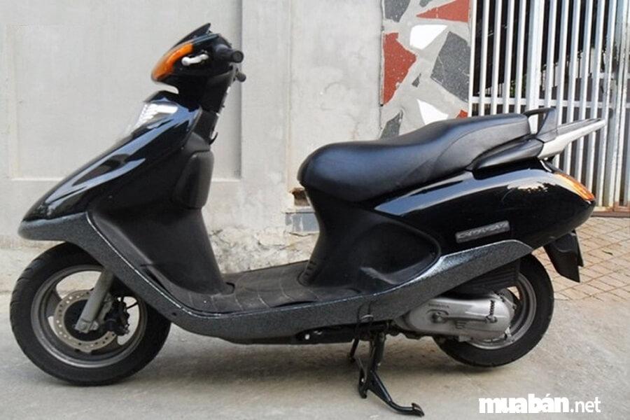 Năm 2016, tại Hà Nội, một chiếc Honda Spacy 125 đi 16 năm được định giá 200 triệu đồng.