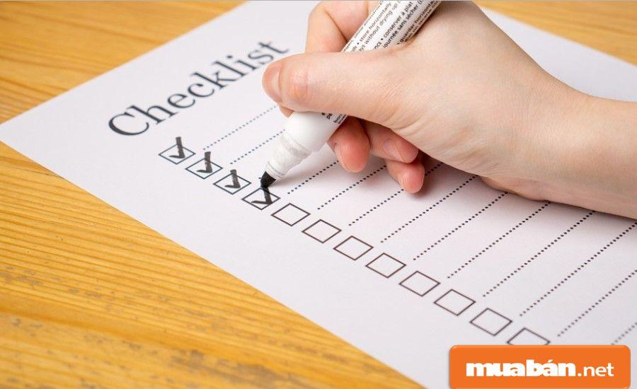 Bạn hãy lập danh sách liệt kê chi tiết tình trạng căn nhà và các nội thất kèm theo, nếu có.