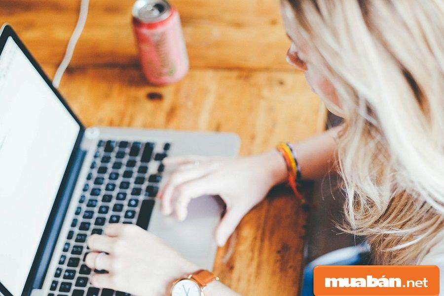 Nên tìm hiểu thật kỹ những thông tin tuyển dụng có mô tả cụ thể, chi tiết về công việc.