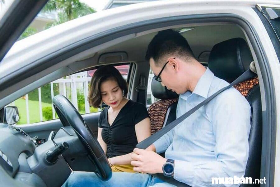 Học lái xe ô tô với tinh thần trách nhiệm cao là yêu cầu bắt buộc đối với mọi tài xế.