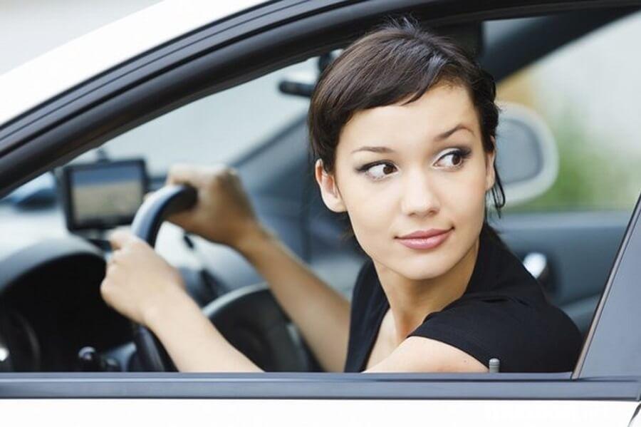Khi lưu thông trên đường, tài xế nhất định phải đảm bảo được khoảng cách an toàn nhất định.