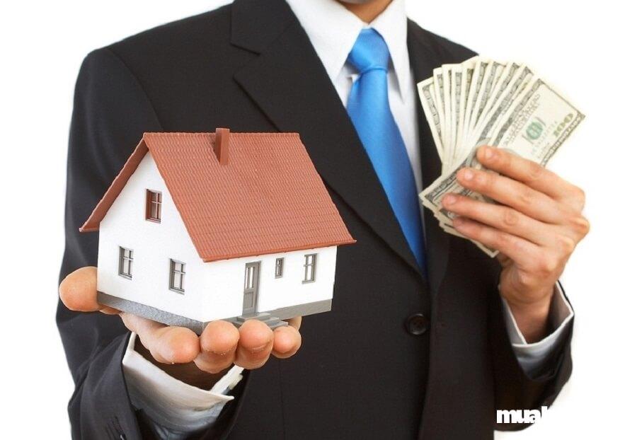 Kẻ lừa đảo đóng vai người mua bán nhà đất để đẩy giá lên cao.