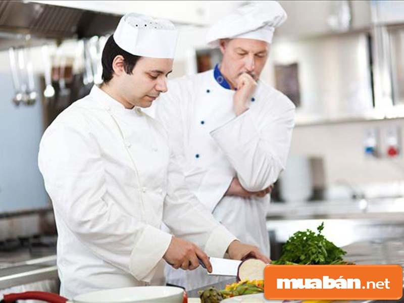 tuyển phụ bếp TPHCM không cần kinh nghiệm a