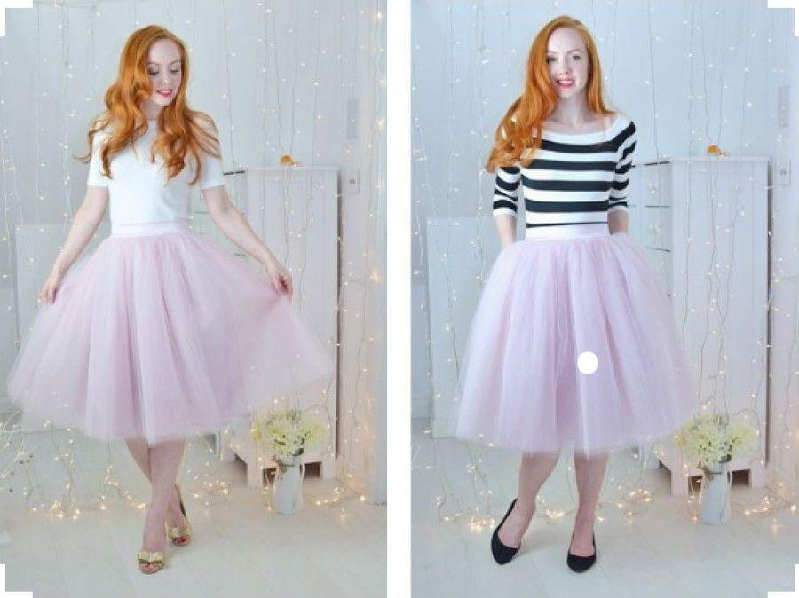 Mẫu váy này có thể kết hợp với nhiều kiểu giày khác nhau như giày bệt, giày cao gót.