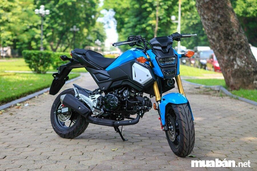 Hiện nay, mô tô giá rẻ Honda MSX đang được bán 4 màu gồm: Trắng, đen, xanh và đỏ.