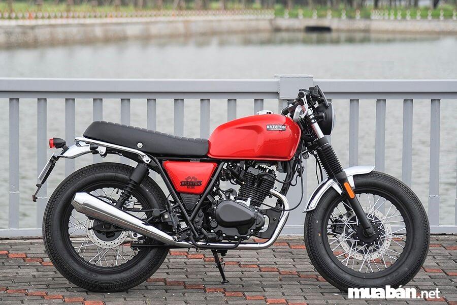 Brixton 125cc Classic có giá từ 47.900.000 đồng.