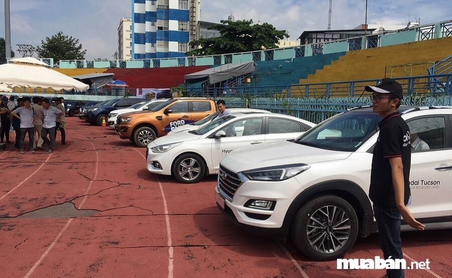 Chợ ô tô Sài Gòn là nơi bạn có thể tìm thấy các loại xe hơi đã qua sử dụng với chất lượng và giá tốt nhất.