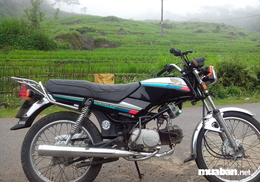 Win 100 của Honda là dòng xe classic được sản xuất tại Indonesia từ năm 1986.