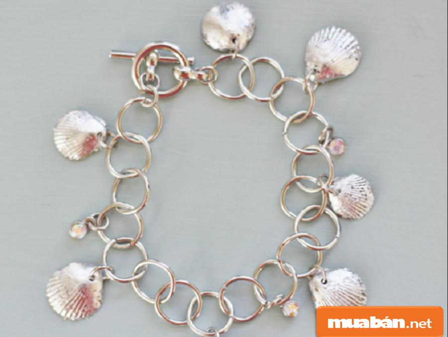 Bạn có thể làm các sản phẩm từ các nguyên vật liệu từ vùng biển Nha Trang vỏ sò, ốc…