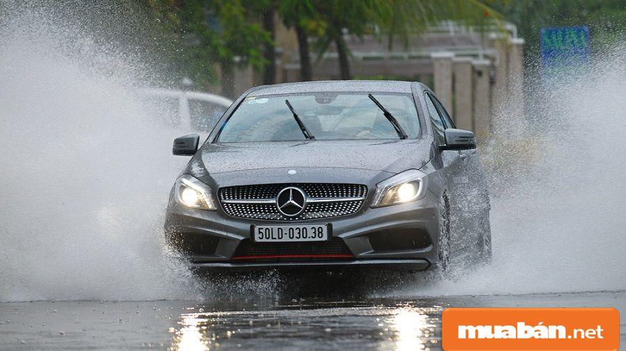 Việc bạn xử lý và rút kinh nghiệm lái xe ở những điều kiện thời tiết khác nhau khá quan trọng.