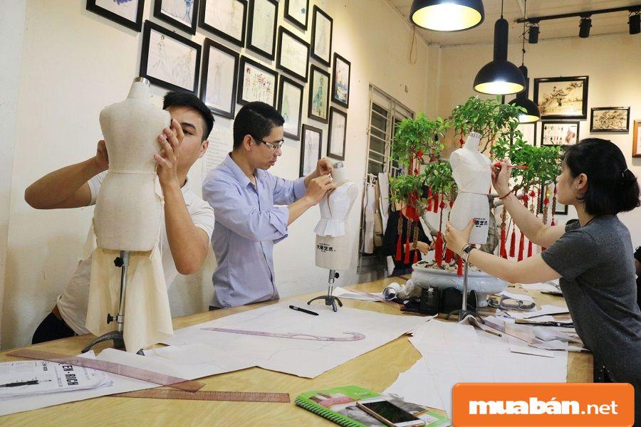 Thợ may phải có cần có tinh thần ham học hỏi và sự cầu tiến trong công việc.