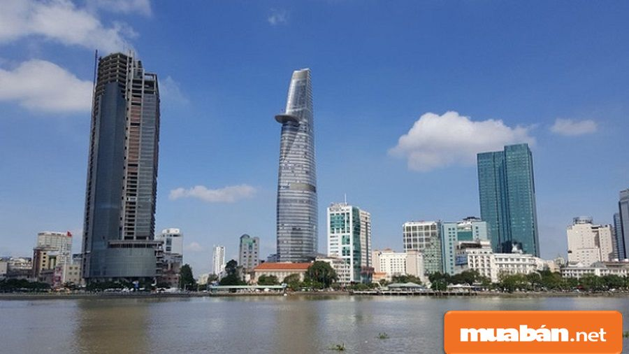 Hệ thống điện dự phòng 100% công suất với 3 nguồn điện dùng để phục vụ tòa tháp.