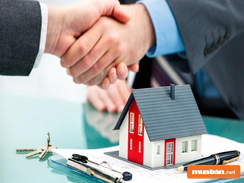 Đến Muaban.net để mua nhà tại Kingdom 101 nhé