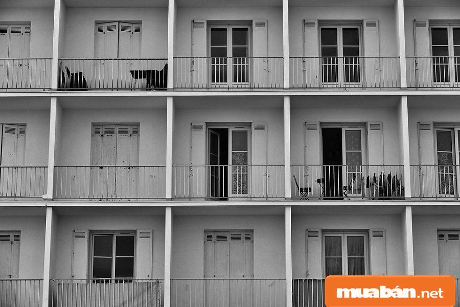Hãy tranh thủ quan sát và hỏi thăm hàng xóm khi đi xem nhà.