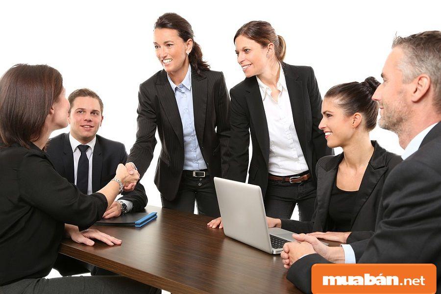 Dù chỉ tuyển lao động thời vụ, nhưng bạn cũng nên tuân theo quy trình tuyển dụng nhé!