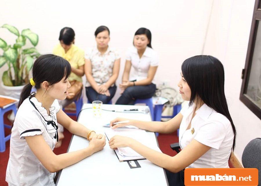 Đa số ai cũng có thể làm công nhân thời vụ, điển hình nhất là sinh viên...