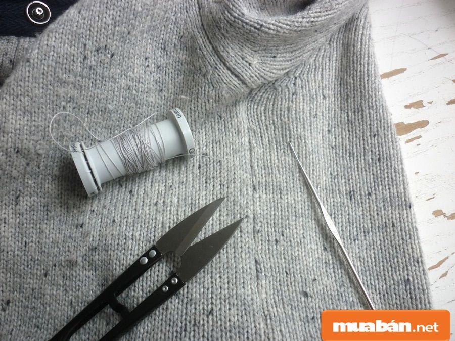 Bạn có thể nhận cắt những sợi chỉ thừa trên sản phẩm may mặc tại nhà.