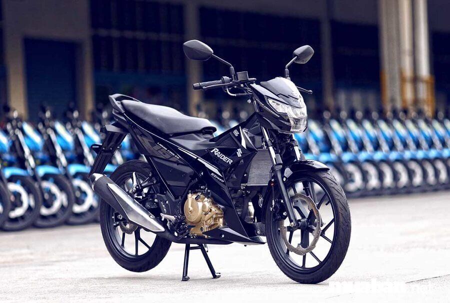 Hiện nay, với sự trỗi dậy mạnh mẽ của Yamaha Exciter thì Suzuki Raider lại càng dần lép vế hơn.