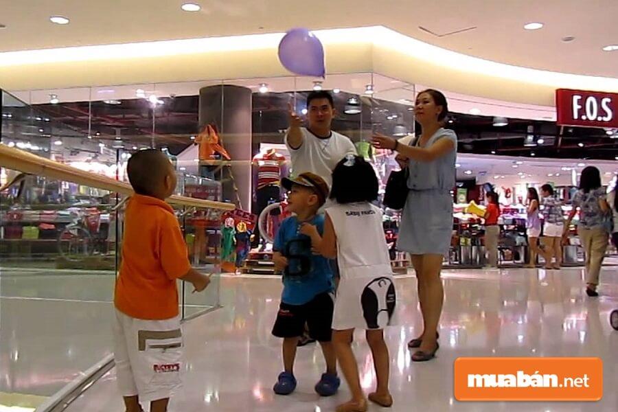 Với Rất Nhiều Ưu Điểm Nổi Bật Hiện Crescent Mall Đã Trở Thành Thiên Đường Của Các Hoạt Động Giải Trí, Nghệ Thuật, Thương Mại.