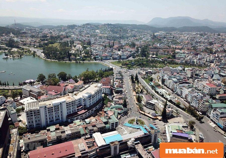 Giao thông thuận tiện giúp thu hút các nhà đầu tư vào bất động sản Đà Lạt.