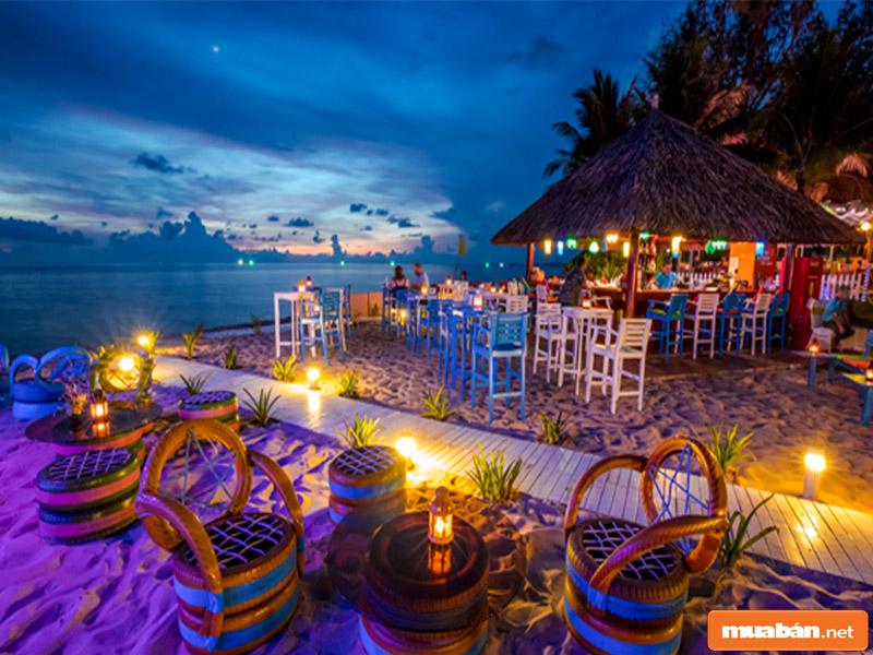 Resort có dịch vụ tổ chức tiệc cưới trên bãi biển theo nhu cầu của khách