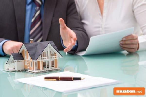 Hợp đồng là thứ đặc biệt quan trọng với giao dịch mua bán nhà đất
