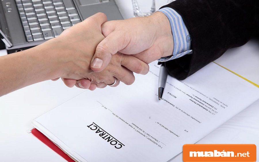 Bạn nên chú trọng vào một bản hợp đồng cho thuê xe thật chặt chẽ và chi tiết.