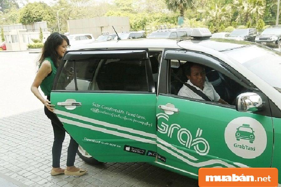 Grab taxi là xe taxi thông thường, dành cho các loại xe ô tô từ 9 chỗ ngồi trở xuống.