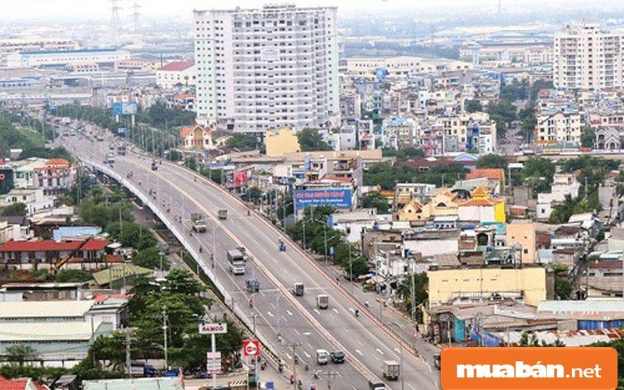 Dự án còn gần các tuyến đường lớn như Quốc lộ 1A, Tên Lửa, Đại lộ Võ Văn Kiệt.