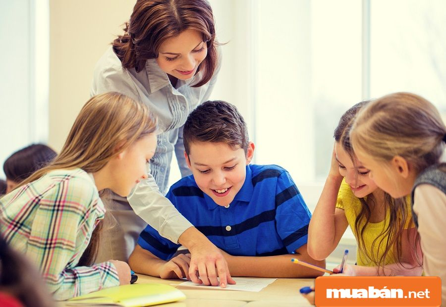 Nghề gia sư rất phù hợp cho những bạn yêu thích trẻ em, có kiến thức cơ bản tốt.