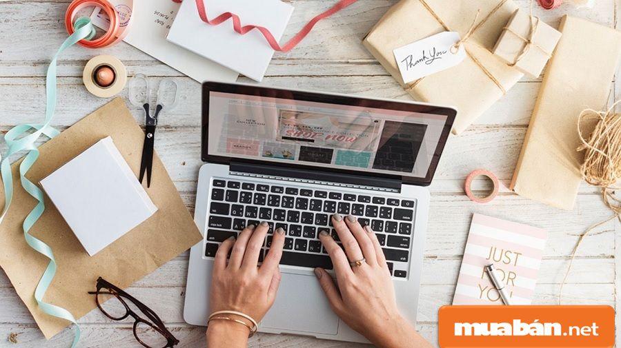 Kinh doanh online giúp bạn tiết kiệm được mặt bằng, không cần vốn đầu tư nhiều.