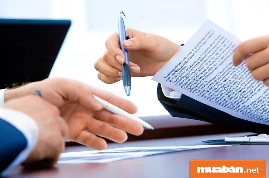 Càng biết chi tiết về nhà tuyển dụng, bạn càng tránh được nhiều rủi ro và sẽ an tâm hơn.