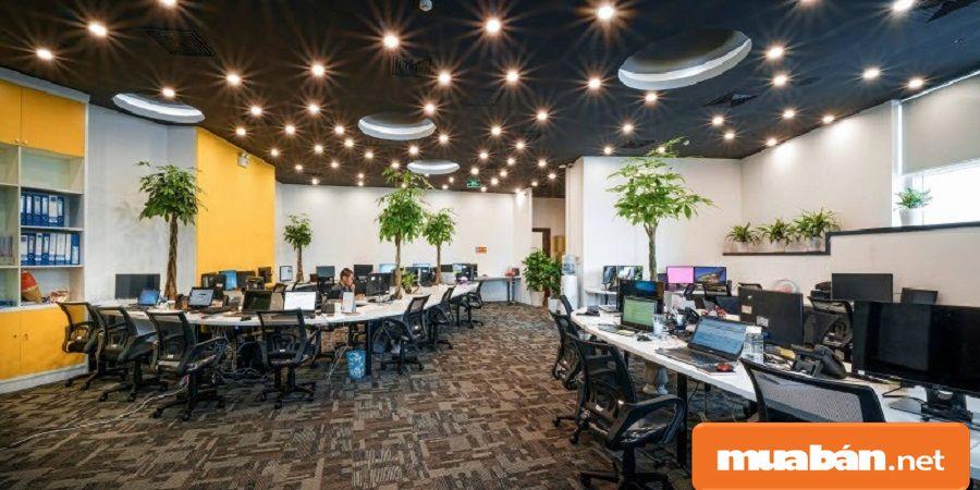 Tòa nhà văn phòng có vị trí thuận lợi, hạ tầng hoàn thiện, tiện ích hiện đại.