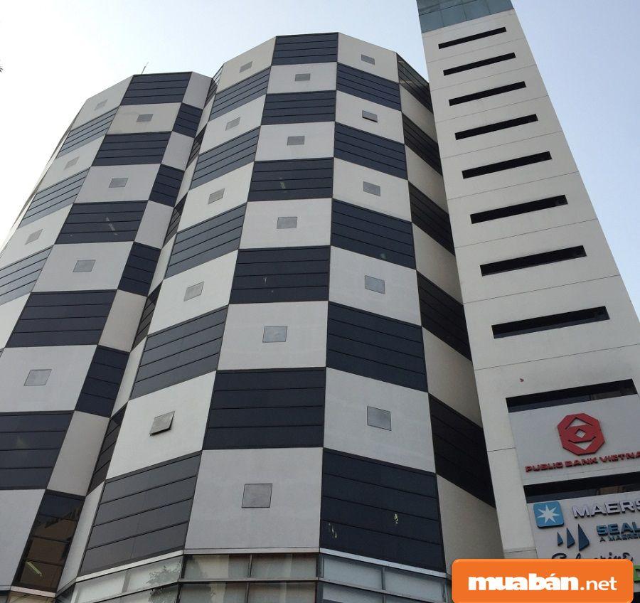 Tòa nhà có 9 tầng làm văn phòng cho thuê, 4 tầng làm trung tâm thương mại.