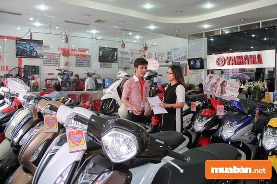 Cuối năm hoạt động mua bán xe máy luôn diễn ra rầm rộ.