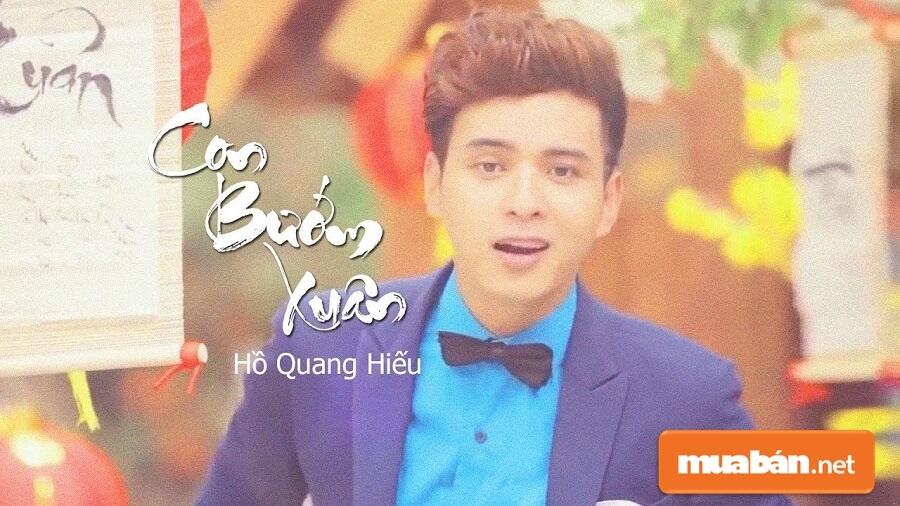 Ca khúc Con Bướm Xuân (remix) của  Ca sĩ Hồ Quang Hiếu là một trong những bài nhạc xuân được nghe nhiều nhất hiện nay.