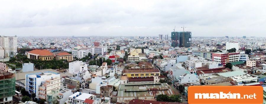 Giao thông, cơ sở hạ tầng phát triển kéo theo thị trường bất động sản cũng phát triển.