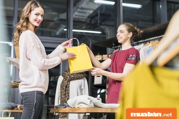 Tìm việc làm bán hàng quần áo tại TPHCM cần biết 5 kỹ năng này!