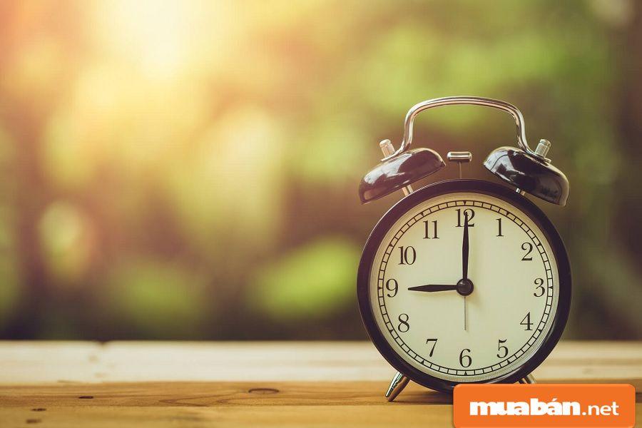 Bạn nên biết thời gian làm việc cụ thể, và trao đổi rõ ràng để tránh tăng ca quá sức.