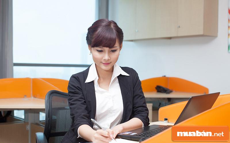 nhân viên văn phòng