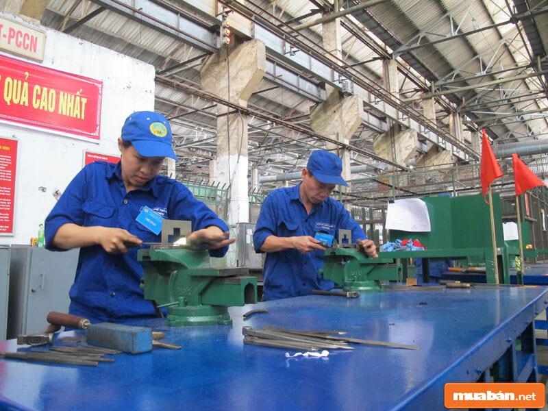 tuyển công nhân