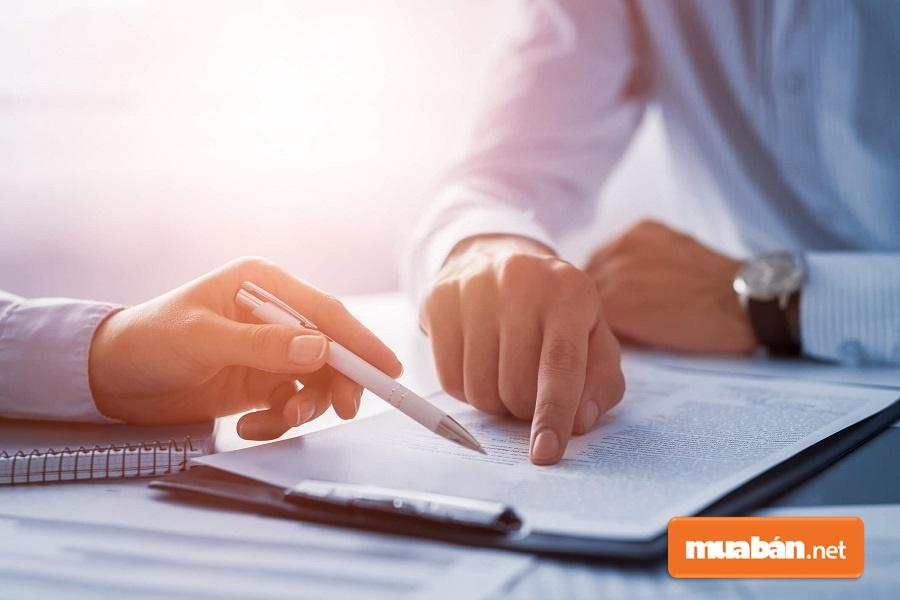 Người làm chứng là yếu tố không thể thiếu trong bản hợp đồng đặt cọc