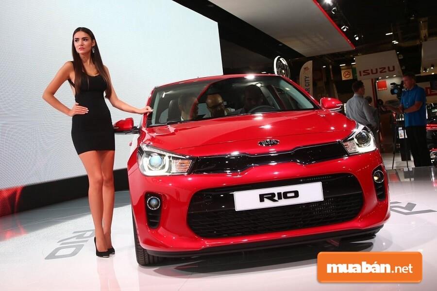 Kia Rio là mẫu xe lý tưởng để chạy trong thành phố đông đúc.