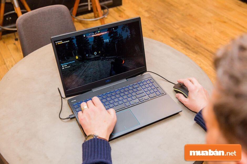 Nhiều người khi mua laptop thường chỉ quan tâm về giá, cấu hình hoặc những tính năng nhất định mà bỏ qua đi những yếu tố khác.